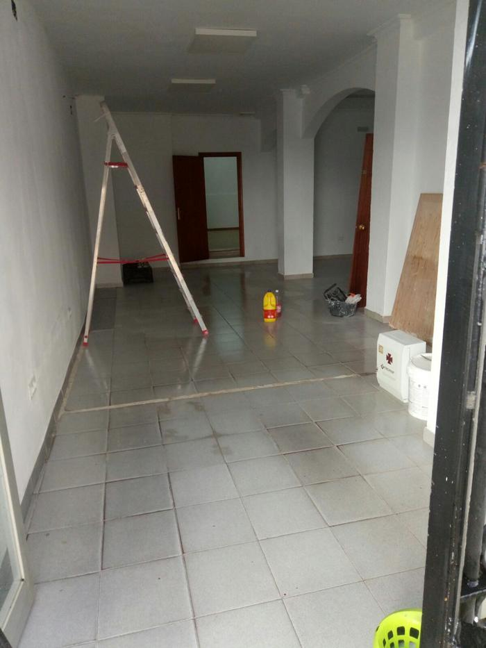 Local commercial -                                       Tarifa -                                       0 chambres -                                       0 occupants